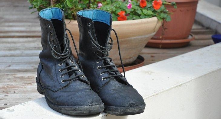 התפתחות השפה העברית: נעלי צבא