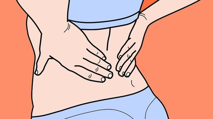 תרגילים להקלה על כאב גב: איור של אישה מחזיקה בגבה