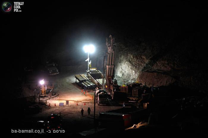 חילוץ, כורים, מכרה, צ'ילה, לכודים, קידוח, מכונת קידוח, 130-T