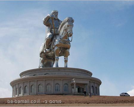 האנדרטה של ג'ינגיס ח'אן