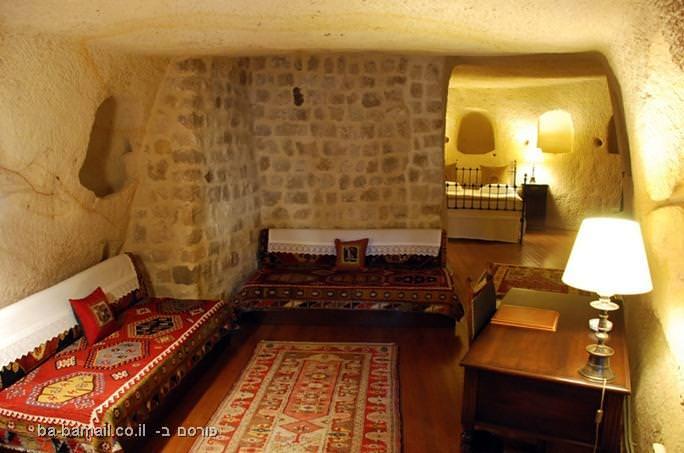 בית מלון יוקרתי ומדהים שנחצב במערה (בעריכה)