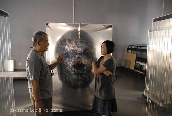 פיסול תלת ממדי בתוך קוביית זכוכית - מדהים! (בעריכה)