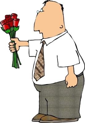 גבר מביא פרחים