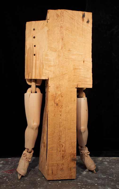 פסלי עץ מציאותיים