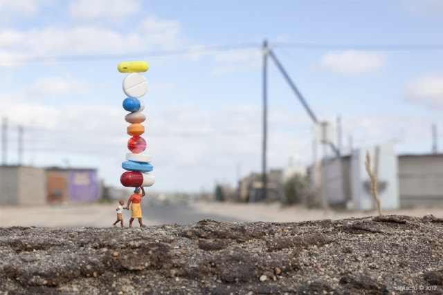 האנשים הקטנים - אמנות גדולה מהחיים!