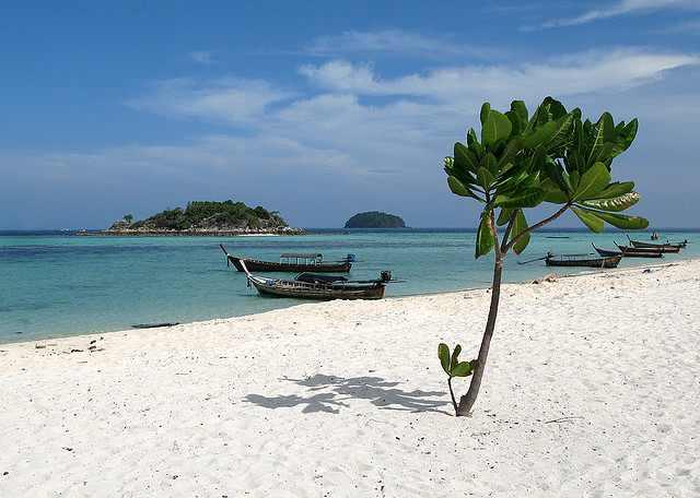 איים ללא מכונית