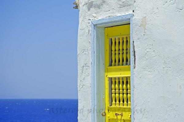 תמונות של דלת צהובה