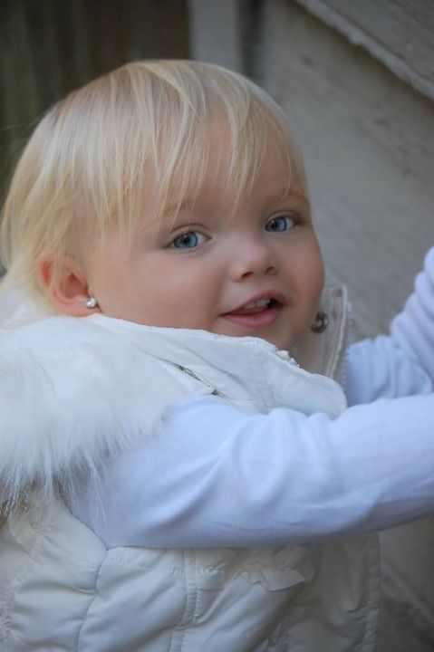 תינוקת דוגמנית