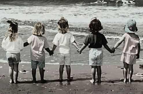5 נשים בכל הגילאים