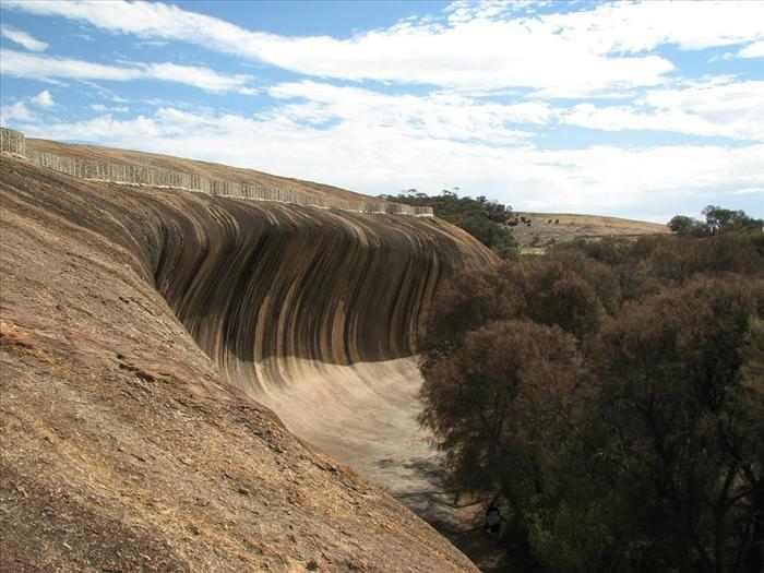 סלע הגל מאוסטרליה