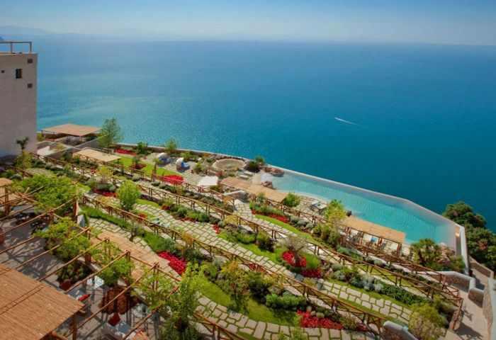 מלון סנטה רוזה באיטליה