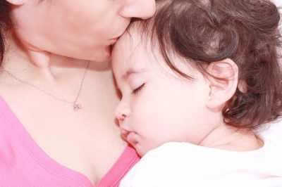 תינוקת ישנה