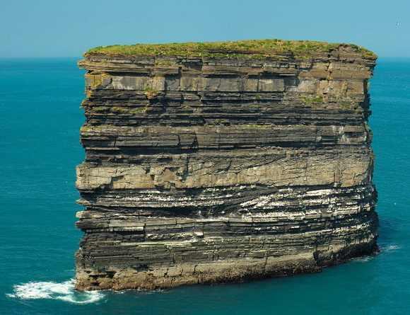 סלעי ים מרהיבים מהעולם