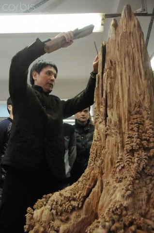 פסל העץ הארוך בעולם
