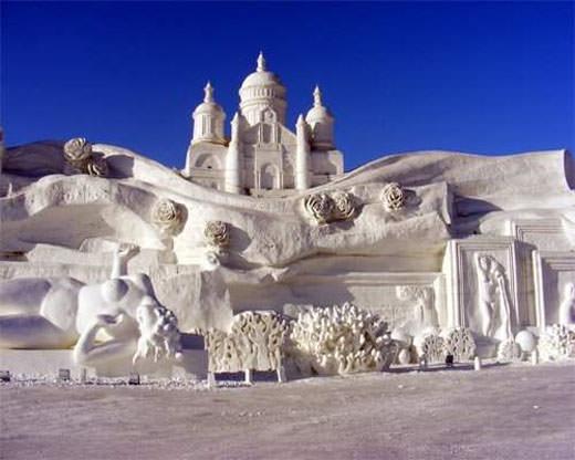 פסלי שלג מדהימים