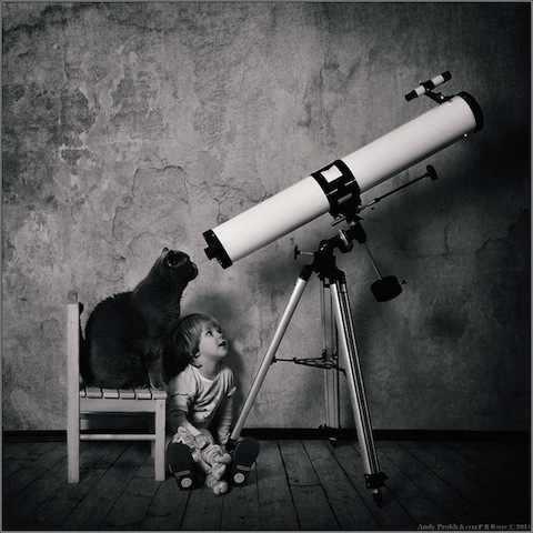 תמונות מקסימות של ילדה וחתול