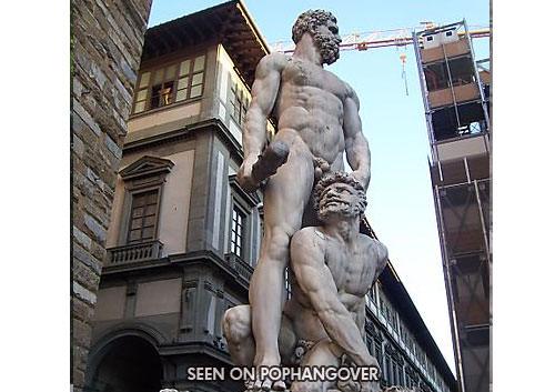 פסלים גסים מרחבי העולם
