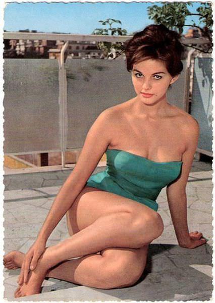 בגדי הים של שנות ה-50: היפהפיות של פעם