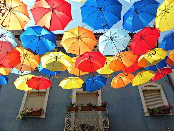 רחוב המטריות המרחפות של פורטוגל