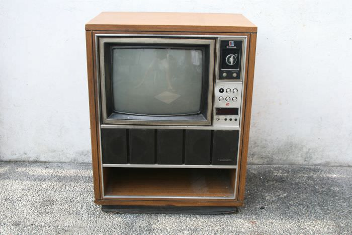מה עושים עם טלוויזיה ישנה?