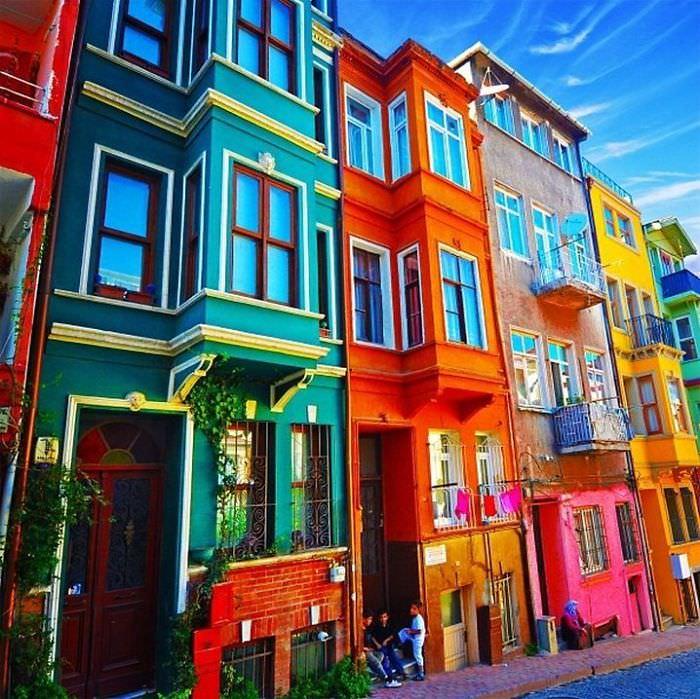 נוף עירוני צבעוני