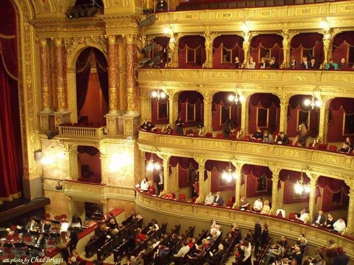 בתי אופרה מסביב לעולם