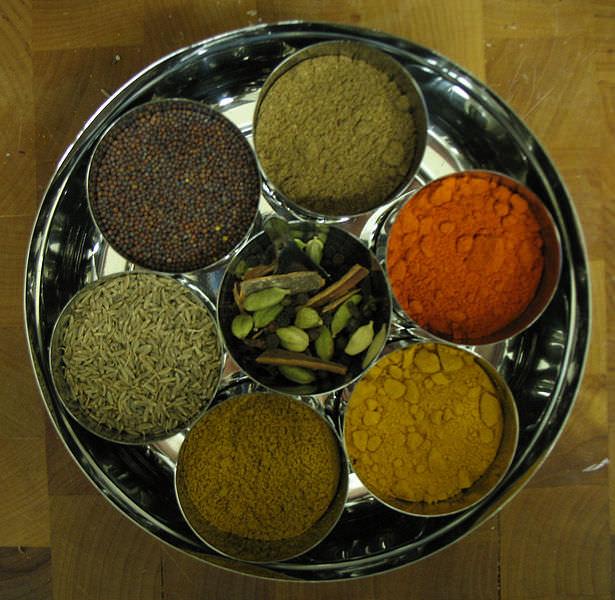 5 מזונות שמסייעים להתגבר על אכילת יתר בדרך טבעית