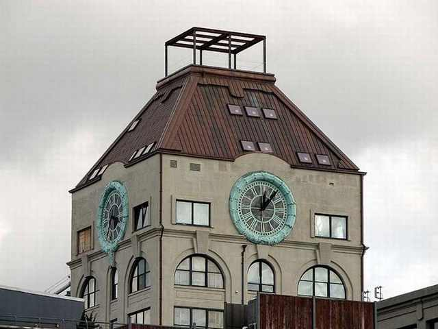 פנטהאוז בתוך מגדלשעון