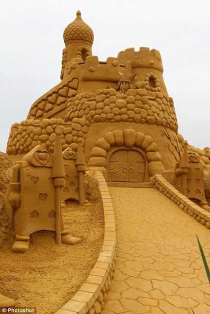ארמונות בחול