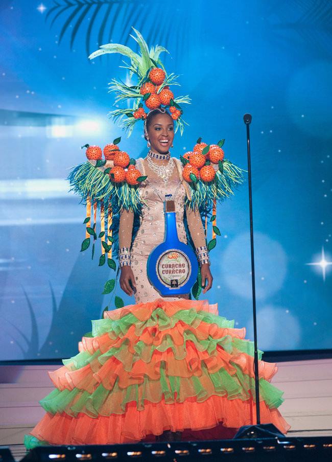 שמלות מדהימות ממיס יוניברס
