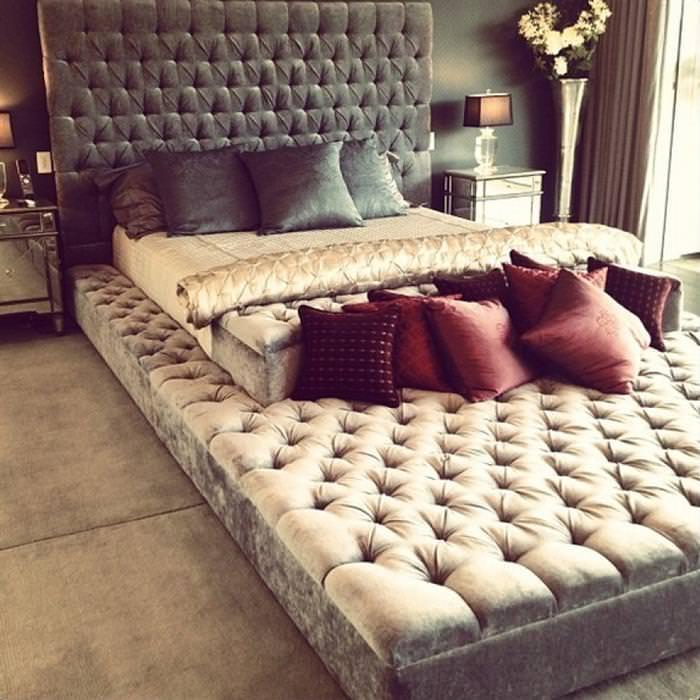 מיטה ענקית
