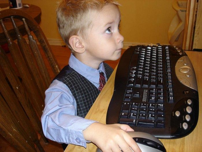 ילדים ומכשירים טכנולוגים