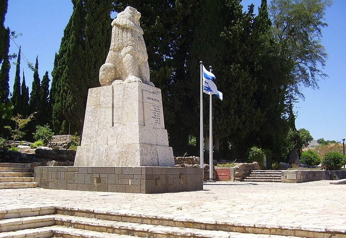 אנדרטאות מיוחדות בארץ