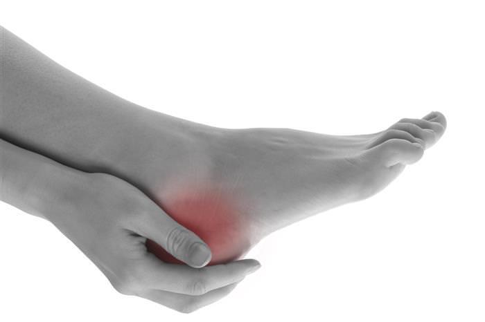 מתיחות לכאבים ברגל