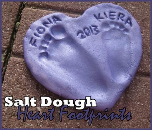 טביעות רגליים בבצק מלח