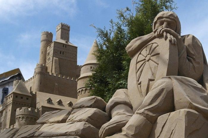 מלון עשוי חול
