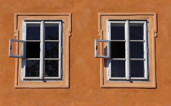 זוג חלונות