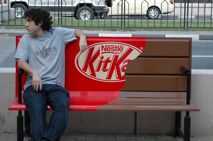 ספסל שהוא גם חטיף שוקולד