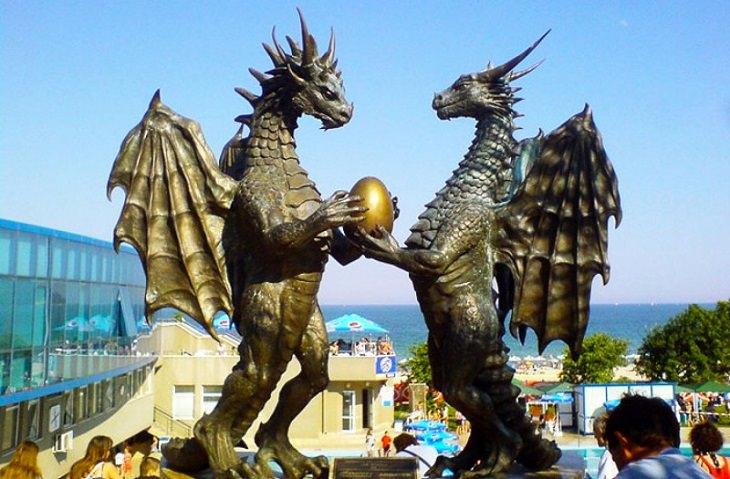 זוג דרקונים מאוהב, וארנה - בולגריה