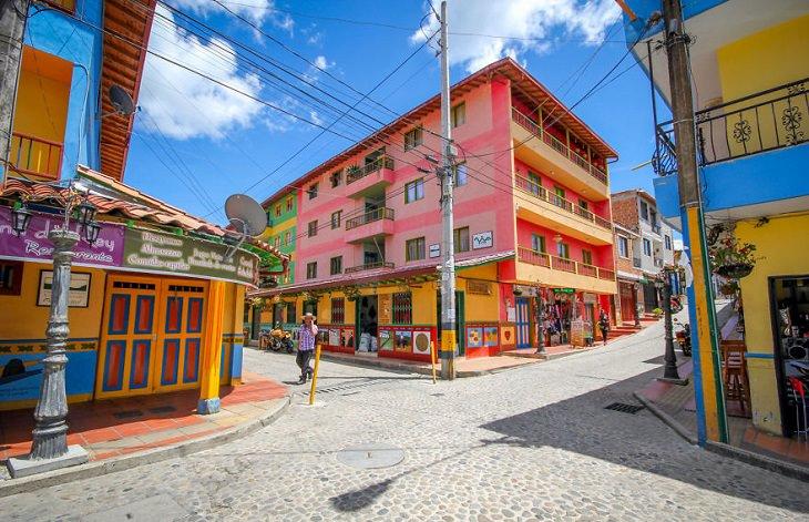 גאווטפה העיר הצבעונית ביותר בעולם