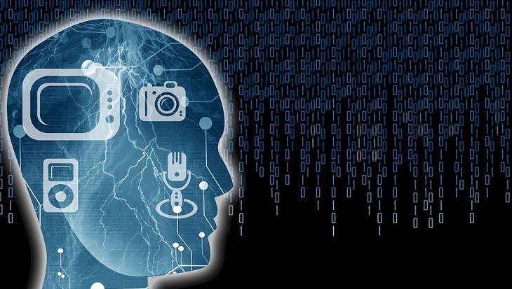 ראש של בן אדם ועליו מצויירים מכשירים חשמליים: מיקרופון, מצלמה, טלוויזיה ונגן מוזיקה