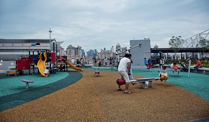 משפטים שהורים לא צריכים להגיד: גן משחקים לילדים