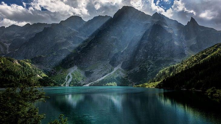 16 מנופיה המדהימים של פולין: אגם מורסקי אוקו