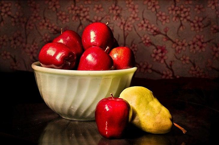 הדרך היעילה ביותר לסידור המקרר: תפוחים בקערה