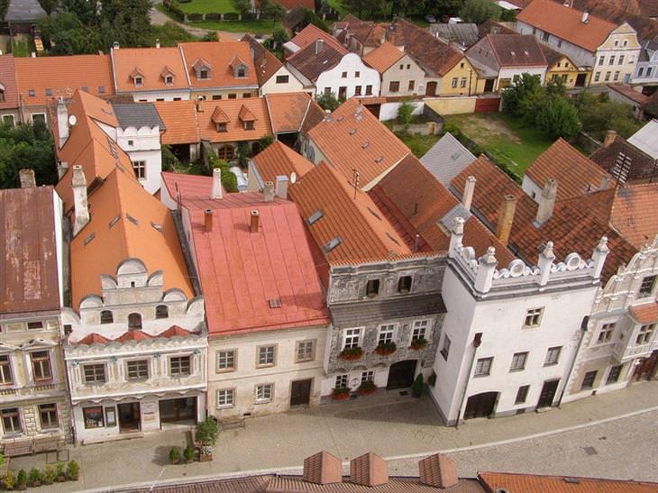 עיירות ציוריות בצ'כיה: בתים בסלבוניצה ממעל