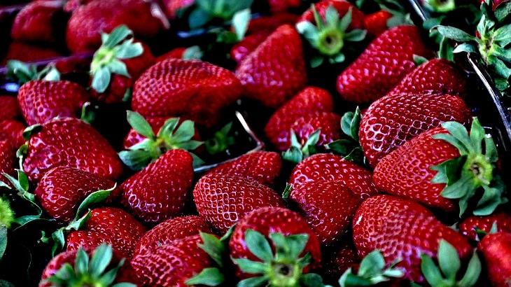 טיפים לבחירת פירות וירקות טריים: תות שדה