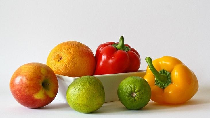 כמויות נחוצות של רכיבים תזונתיים: גמבה, תפוז, תפוח ולימון