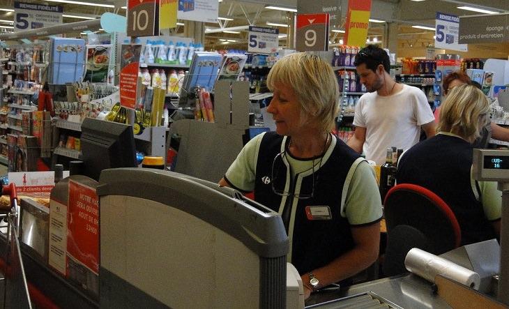 איך כמעט ובגדתי באשתי - סיפור מרגש: קופאית בחנות