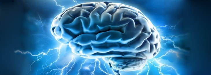 מוח עם חשמל סביבו
