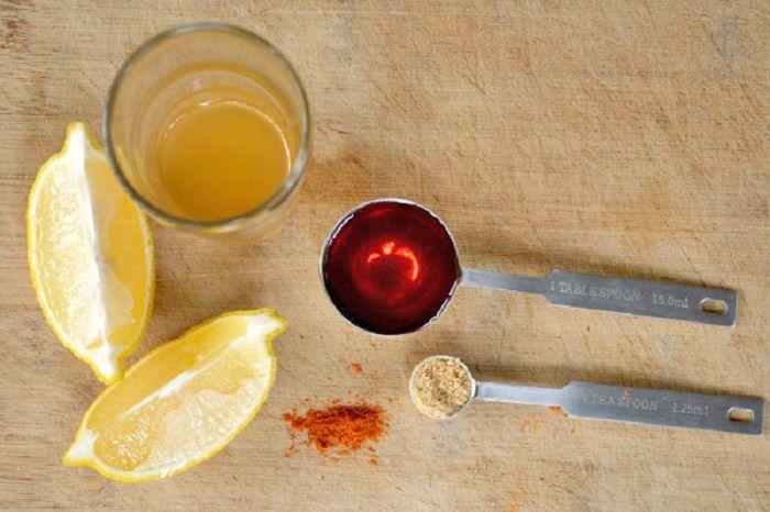 רכיבים למשקה חומץ תפוחים לימון ודבש